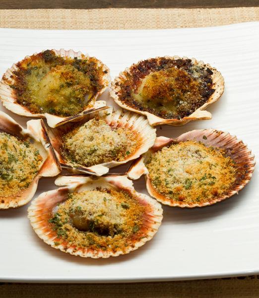 Capesante-gratinate-Piccola-rosolatura-in-padella-con-gratin-alle-erbe