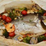 Orata al forno con frutti di mare